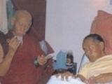 当耶喜喇嘛示现重病时,至尊嘉杰宋仁波切在美国为耶喜喇嘛进行法会。