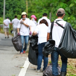 Cleaning Up Bentong for Malaysia Day