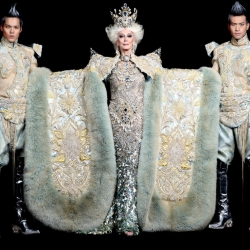 Talented international designer Ms. Guo Pei's creations!