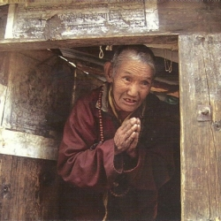 Ani Ngawang Pema – 45 years solitary retreat