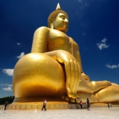 I visited the largest Buddha statue in Thailand!!!!