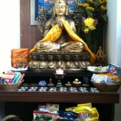 Lama Tsongkhapa arrives at Jan's lovely Home!!!