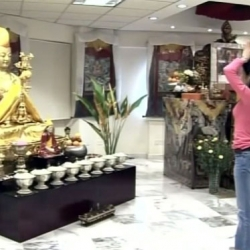 How to set up altar, make offerings, prostrate to the Buddha, meditate etc. | 如何设置佛坛、供养、礼拜、静坐等