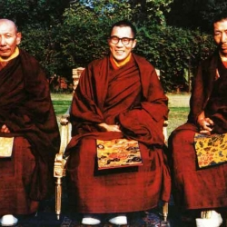 Kyabje Ling Rinpoche does Dorje Shugden(嘉杰林仁波切修多杰雄登护法)