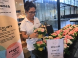 Kechara Blooms has flowers available to offer to the Buddhas on Lama Tsongkhapa Day. Thank you!