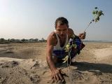 "This story is a life-changer. Learn about the incredible Forest Man of India | 印度""森林之子""- https://bit.ly/2Eh4vRS"