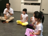 Focus on mantra recitation before the class start. KSDS, Alice Tay