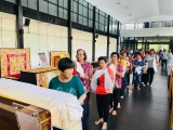 Thank you Klang visitors, for coming to visit Kechara Forest Retreat and make a connection with Dorje Shugden, January 2018. Picture while getting ready to pay homage to H.E. Tsem Tulku Rinpoche's throne.