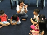 Welcome the new joining volunteer teacher, Yvonne, helped the class age between 2 years old and 6 years old. Alice Tay, KSDS