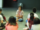 Teacher Sock Wan shared many interesting dharma lessons with the teenage students. Lin Mun KSDS
