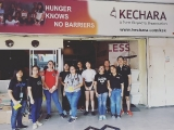 We are thankful to the volunteers who turned up yesterday to assist us in preparing the meals for last night's distribution. - Vivian @ Kechara Soup Kitchen
