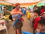 Uncle Danny about 60 year old,He is a magician and mostly he do modeling balloon for the children. Feel so great the elderly people participate in activities and events, look at those modeling balloon lovely right? By Asyley Chia KSDS