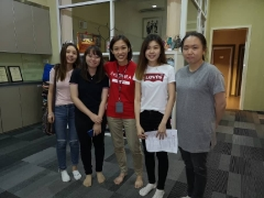 We would like to thank Phui Shan, Win Kei, Morine, Yi Ting and their 2 other teammates who were not in the picture for assisting us from surplus food rescue to surplus food distribution and also foodbank dry provisions delivery. - Vivian @ Kechara Soup Kitchen