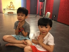 Isn't it great for children to learn dharma from a young age ? Lin Mun KSDS