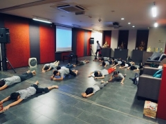 Student do full prostration before the start of dharma class. Lin Mun KSDS