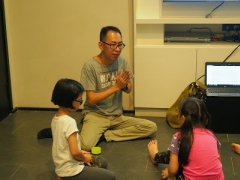 Teacher Kien is teacher for class age 7-9 years old. Lin Mun KSDS