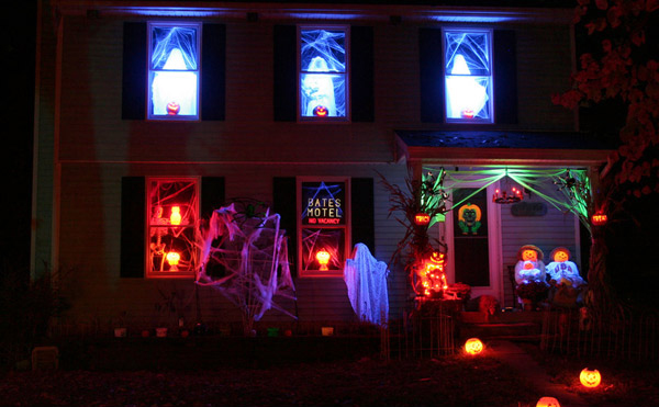 Nowadays it is a common to see people decorate their houses with ghastly displays in celebration of Halloween