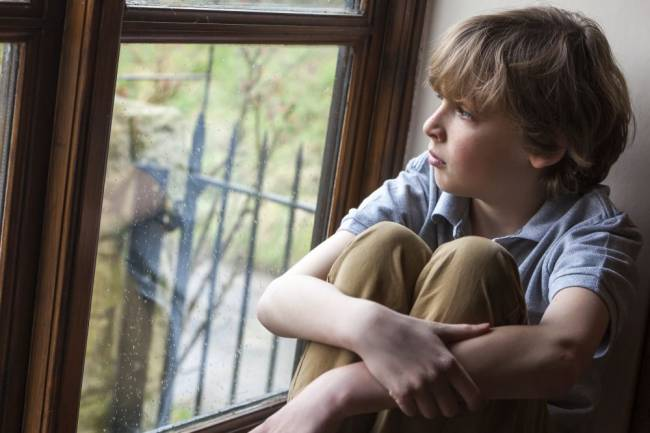 Children with psychopathic tendencies are emotionally distant from their surrounding environment.