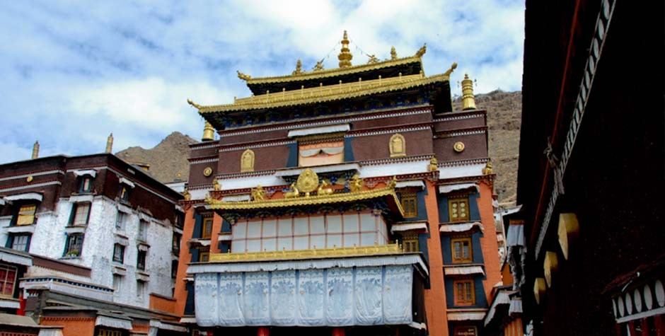 Tashi Lhunpo Monastery was founded by the first Dalai Lama, Gyalwa Gendun Drub.