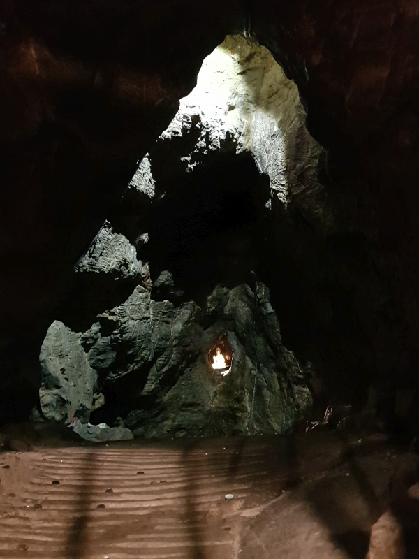 Photo taken from far: the inner cave, which can only fit six people at one time