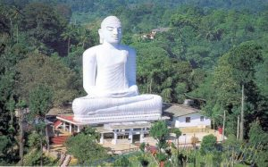 K16 The-majestic-statue-of-Lord-Buddha-at-Bahirawakanda-Temple-in-Kandy