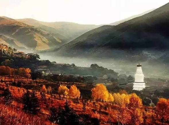 The holy Wu Tai Shan mountain is the earthly abode of Lord Manjushri, the Buddha of Wisdom