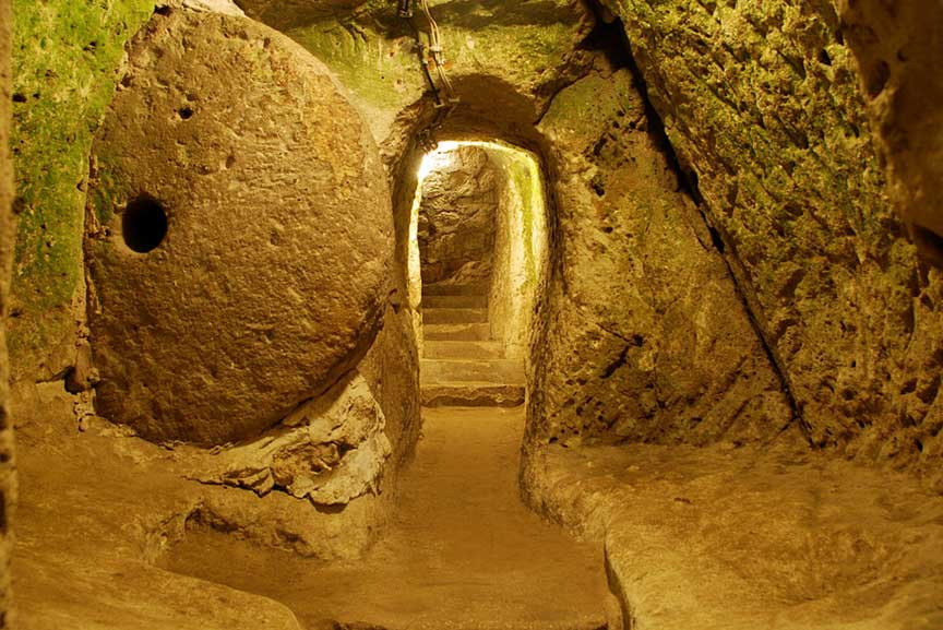 Circular stones would seal access to the passageways (courtesy thingshappendownhere)