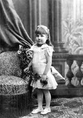 The little five-year-old Helena Shaposhnikova, 1884