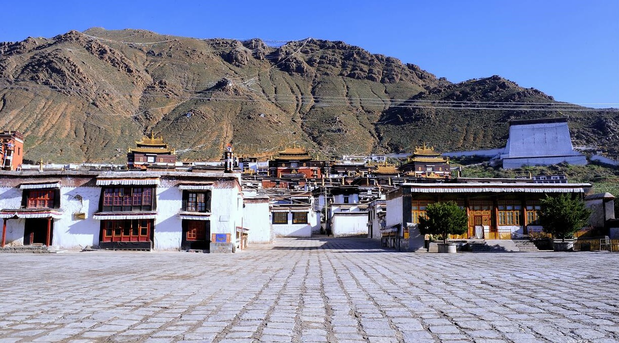 "According to biographers, Blavatsky had been to Tashilunpo monastery, near Shigatse. There are reports saying during Blavatsky's years of studying in Tashilunpo would have resulted in her meeting the 8th Panchen Lama Tenpai Wangchuk and getting to know him well. This information can be found in the book called ""The Voice of the Silence"", published by the Chinese society for Buddhism study at Peking, at the request of the 9th Panchen Lama in 1927"