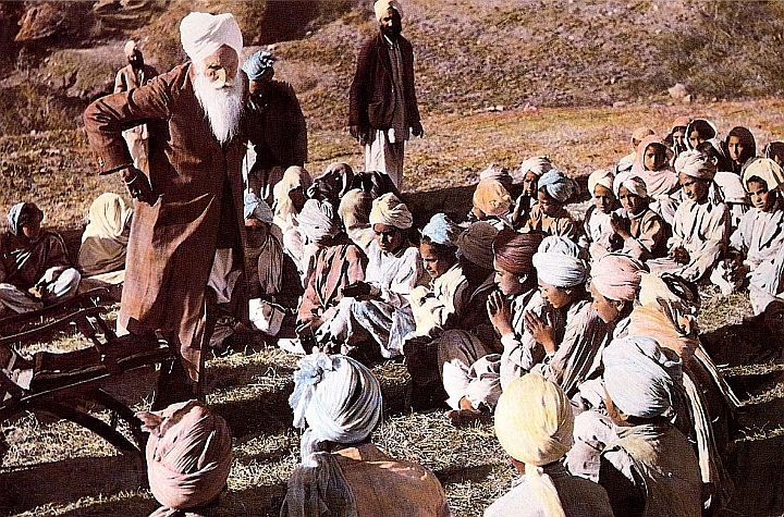 Baba Sawan Singh initiated children in Kalabagh