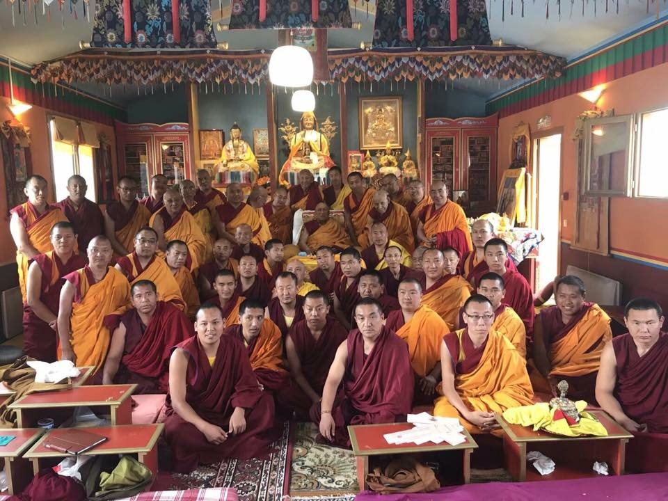 A group picture of His Holiness Gaden Trisur Rinpoche and those who attended the Vajrayogini empowerment and teachings