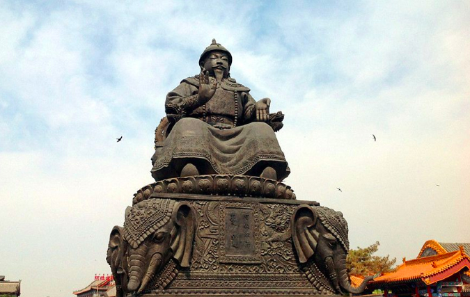 The statue of Altan Khan