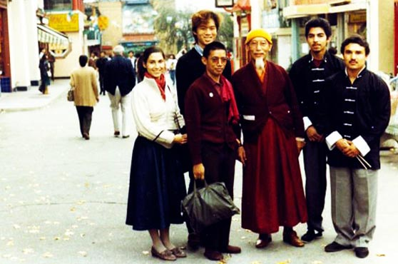 Kyabje Zong Rinpoche in Los Angeles during his last trip to the West. A young Tsem Rinpoche, the tallest in the group, became a close disciple of Zong Rinpoche during this trip.