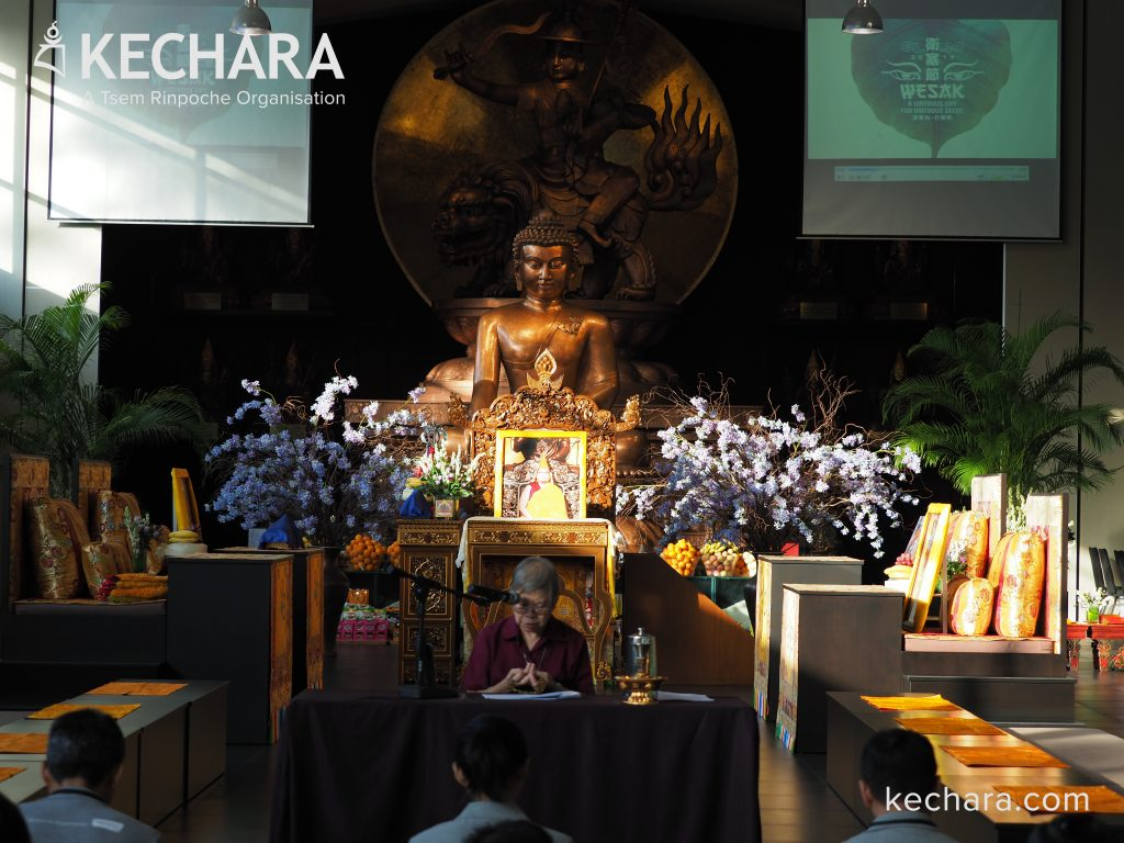 Devotees taking the Eight Mahayana Precepts in Wisdom Hall at Kechara Forest Retreat. Click on image to enlarge. | 善信们在克切拉禅修林智慧殿里受持八关斋戒。点击图片放大。