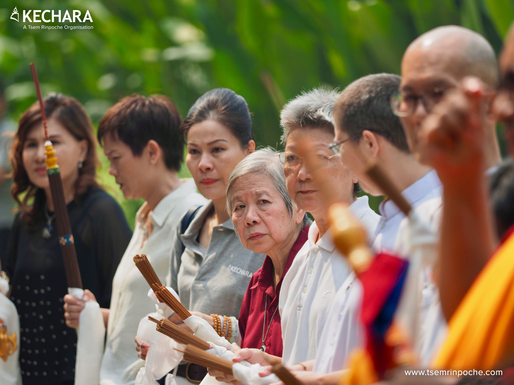 Hundreds of people gathered at Kechara Forest Retreat to escort Rinpoche's kudung home